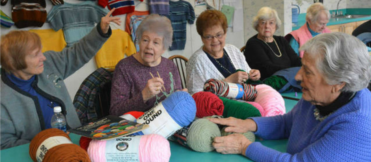 Oakmont Knitting Group Donates 1,000th Sweater to Worldwide Charity